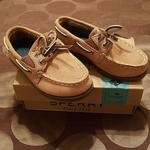 Sperry Boys size 7 M